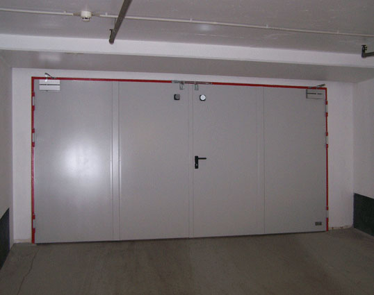 Drehtüren U2013 Brandschutztür /  Tor T30 2